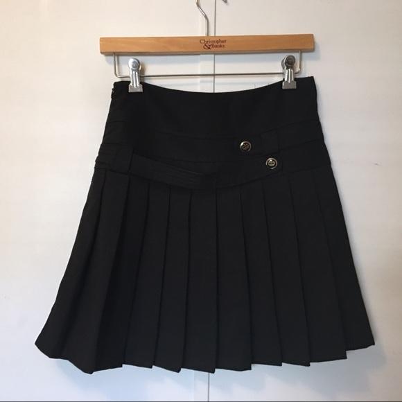 Dresses & Skirts - Black pleated skirt